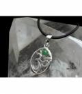 Colgante simbolo om esmeralda plata