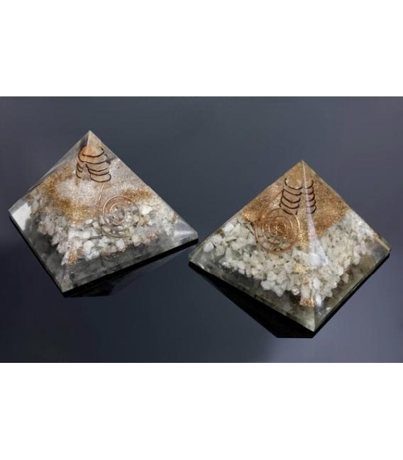 Pirámide orgonite 9x9cm de piedra luna