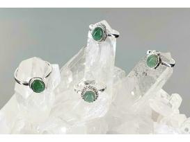 Anillo cabujon esmeralda plata