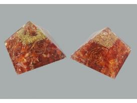 Pirámide orgonite 9x9 carneola