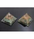 Pirámide orgonite 9x9cm de cuarzo verde