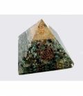 Piramide orgonite 9x9cm esmeralda