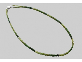Collar bola tallada turmalina verde  2mm