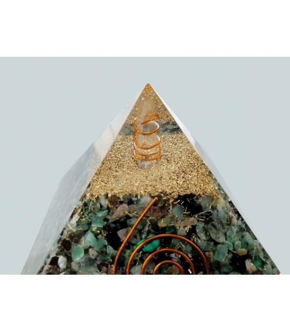 Piramide orgonite 7x7cm esmeralda