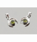 Colgante media luna cabujón olivino tallado plata